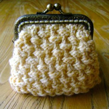 Teeny Coin Purse Bramble Stitch