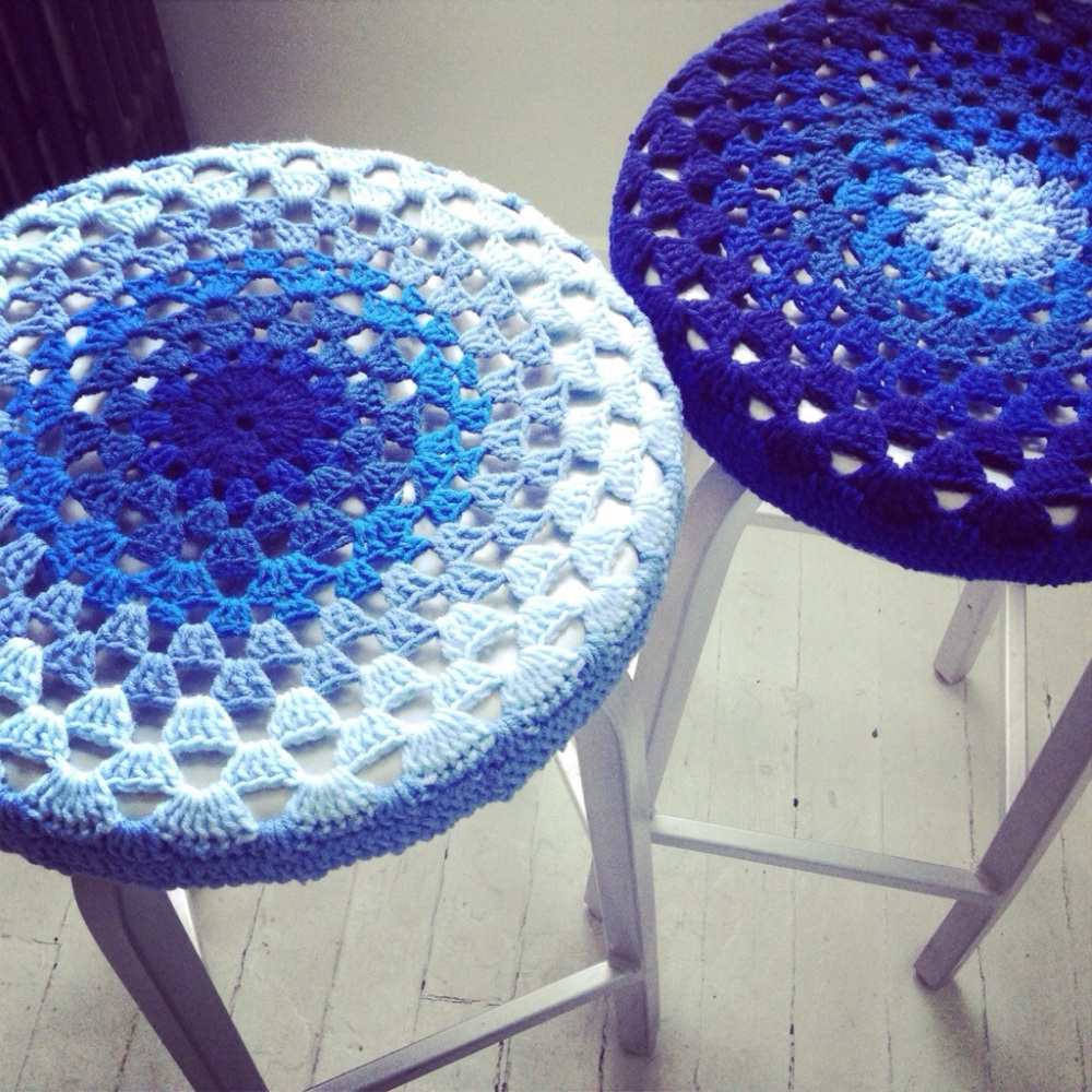 Free Pattern: Crochet Bar Stool Covers (1/3)
