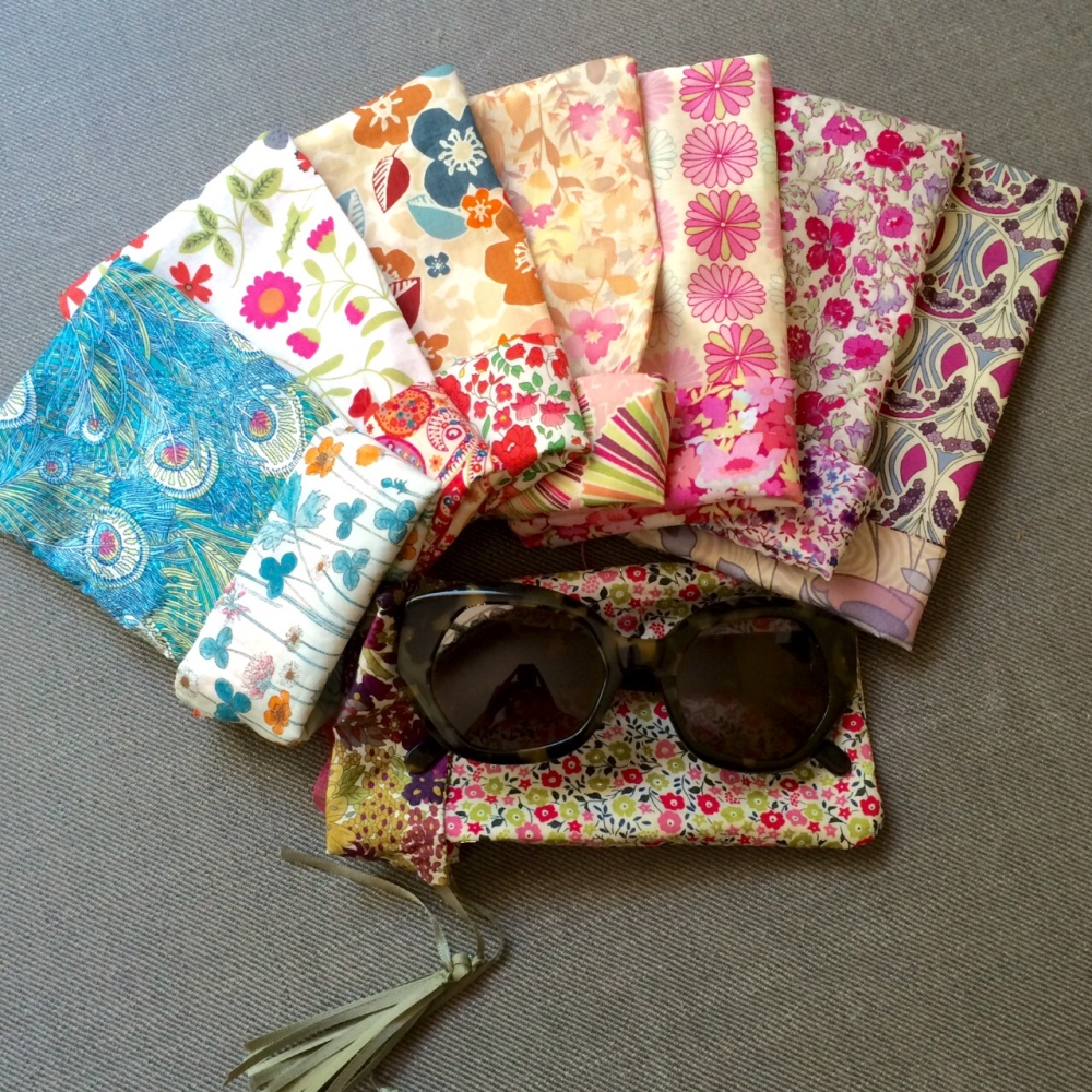 Free Pattern: Reversible Liberty Print Sun Glasses Case (1/6)